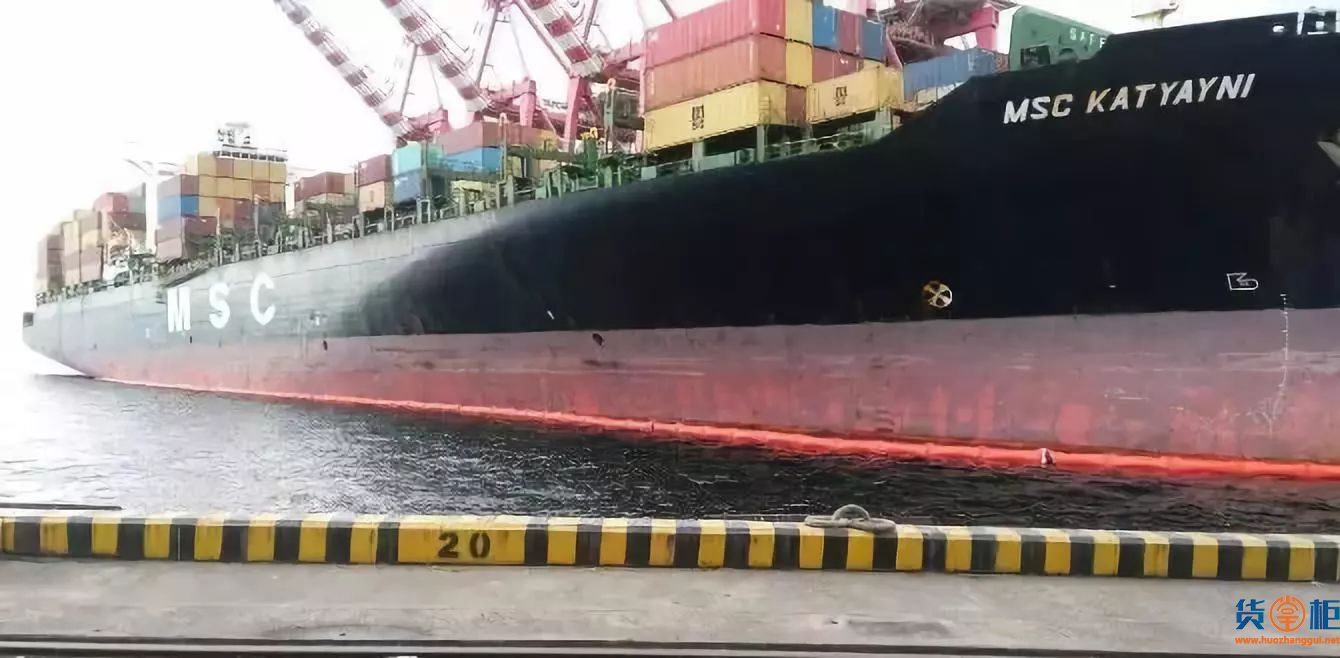 MSC KATYAYNI箱船靠泊碰撞码头,燃油泄漏被迫就地抛锚!-货掌柜www.huozhanggui.net