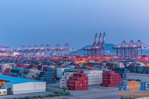 中国出口集装箱运输市场月度报告(2018.12)