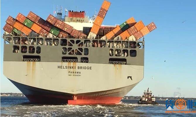 赫伯罗特旗下HELSINKI BRIDGE遭遇恶劣天气,集装箱倒塌掉落海-货掌柜www.huozhanggui.net