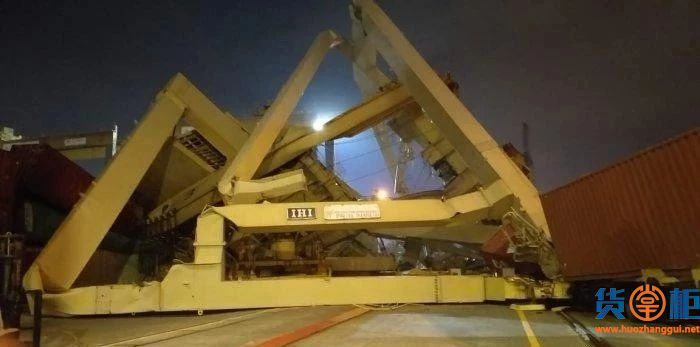 SOUL OF LUCK集装箱船撞毁码头岸吊!中国货物将受影响