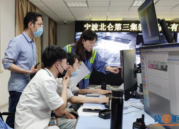 5艘20000标箱船同时作业,还是国产生产操作系统