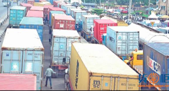 超过4000个逾期滞留的集装箱货物将被拍卖!港口严重拥堵,进口商弃货!