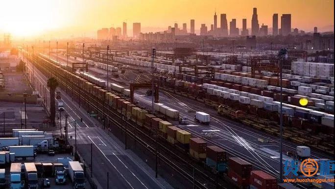 美国内陆集装箱运输已经不堪重负,多家铁路运营商采取强制措施,MSC发出警告